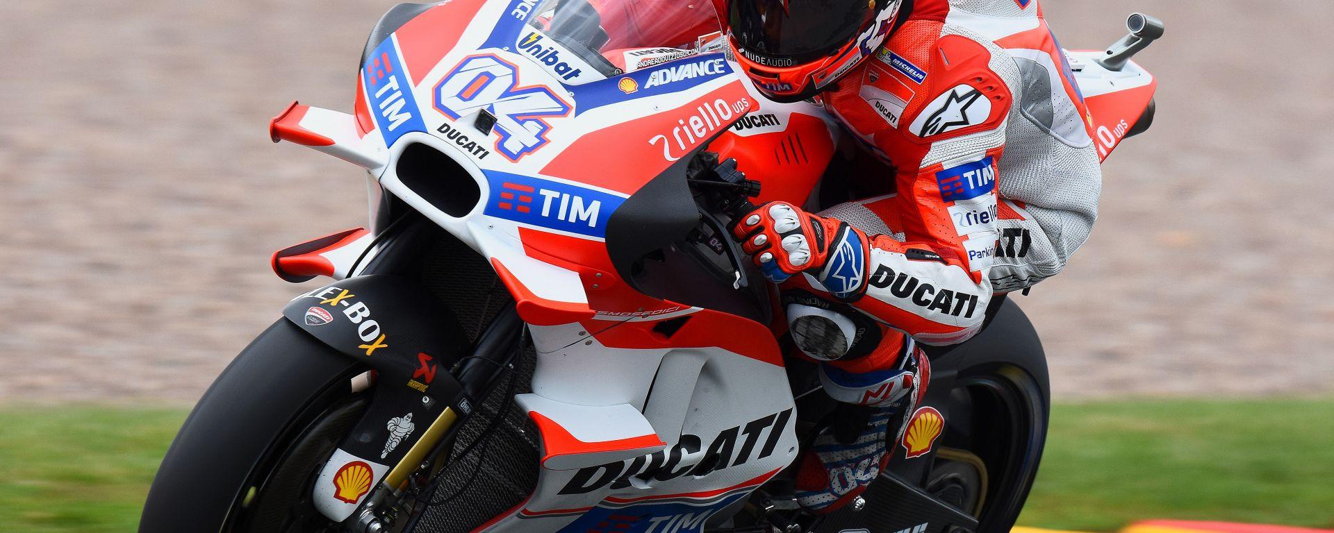 MotoGP Austria 2016: volano le Ducati di Dovizioso e Iannone, terzo Vinales davanti a Rossi