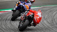 MotoGP Austria 2019, Danilo Petrucci (Ducati) segue Nakagami e Oliveira