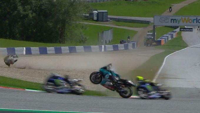 MotoGP Austria 2020: Incidente Zarco-Morbidelli, Valentino Rossi sfiorato dalla moto