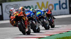 MotoGP Austria 2020, Spielberg: Pol Espargaro (KTM) davanti alle Suzuki di Rins e Mir e alla KTM di Oliveira
