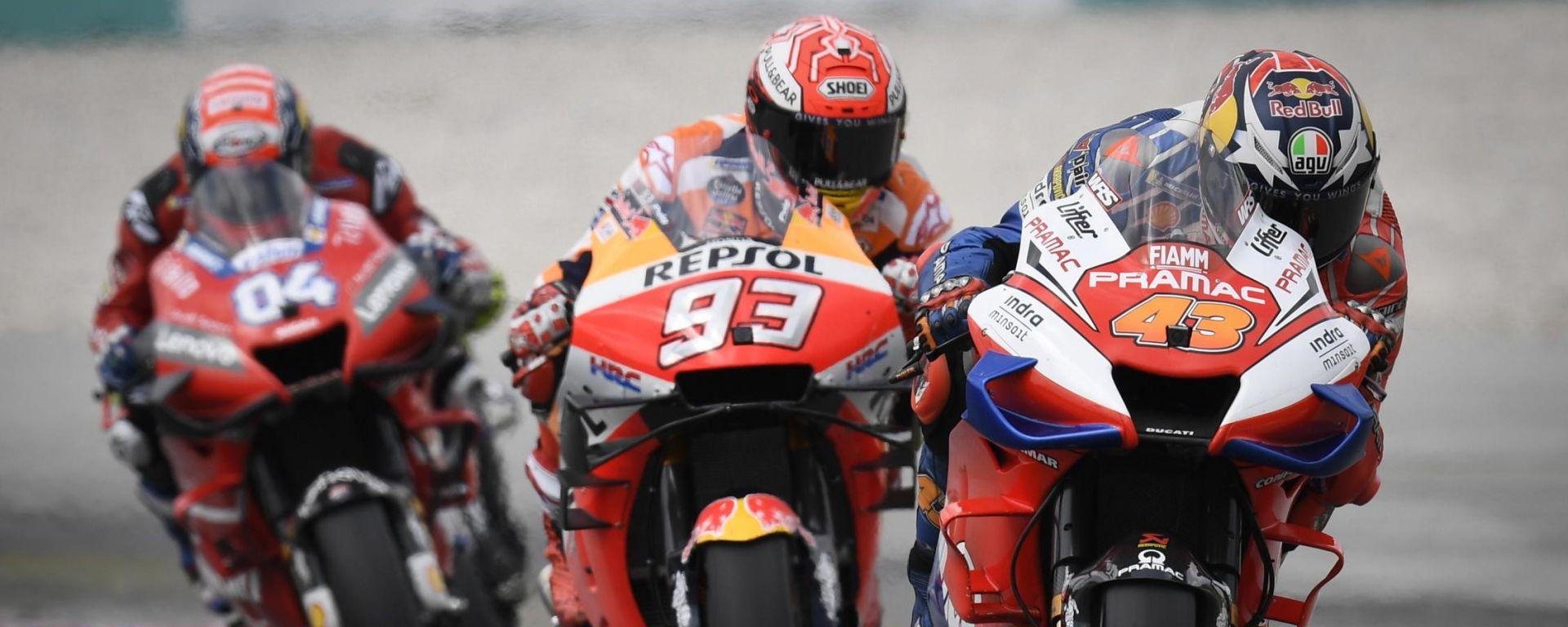 MotoGP, cambiano le regole su alette e test