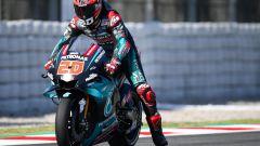 MotoGP Catalunya: pole diabolica di Quartararo, beffato Marquez