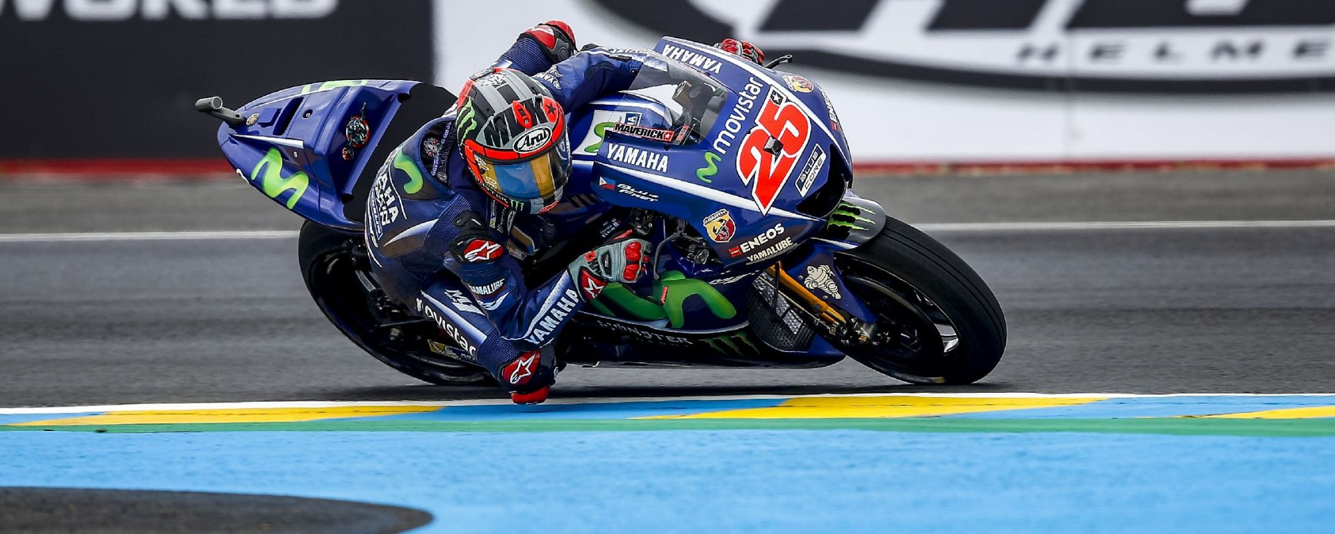 MotoGP Francia 2017: Maverick Vinales centra la pole davanti a Valentino Rossi e Johann Zarcò