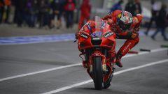 MotoGP Spagna 2021, FP1: Miller e Zarco davanti con il bagnato