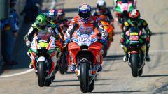 MotoGP Germania 2018, Sachsenring, Andrea Dovizioso guida una pattuglia di piloti nella pitlane