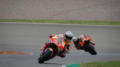 MotoGP Germania 2021, Sachsenring: Marc Marquez (Honda) e Miguel Oliveira (KTM)