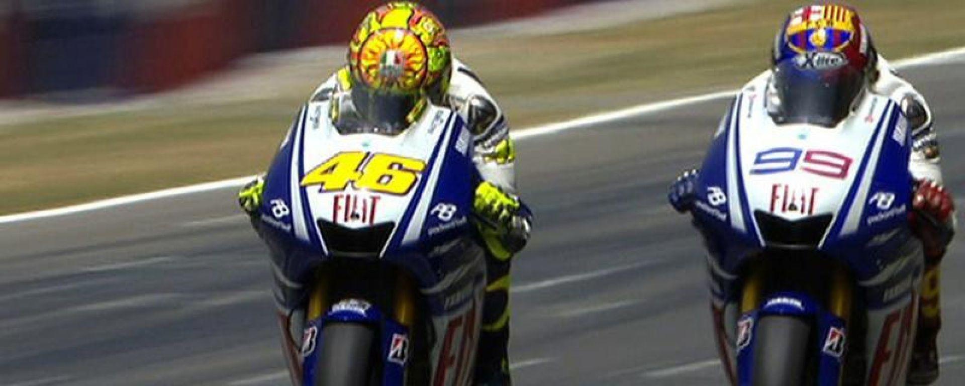 MotoGP, GP Catalunya 2009: il celebre duello tra Valentino Rossi e Jorge Lorenzo (Yamaha)