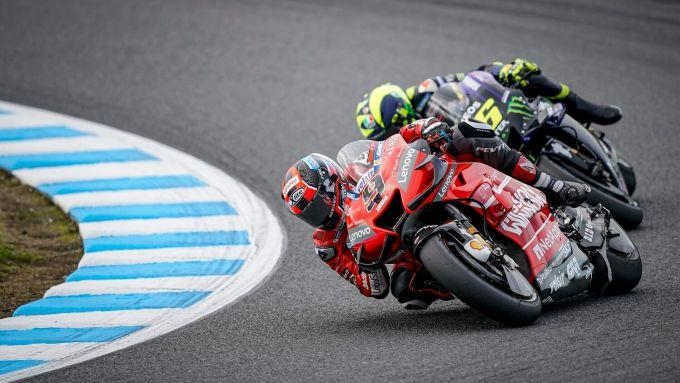 MotoGP, GP Giappone 2019: Danilo Petrucci (Ducati) e Valentino Rossi (Yamaha)