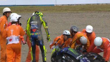 MotoGP, GP Giappone 2019: Valentino Rossi (Yamaha) dopo la caduta a Motegi