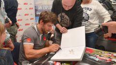 MotoGP: il team LCR incontra il pubblico al GIVI point di Brescia. Lucio Cecchinello ci racconta trent'anni di Motomondiale - Immagine: 5