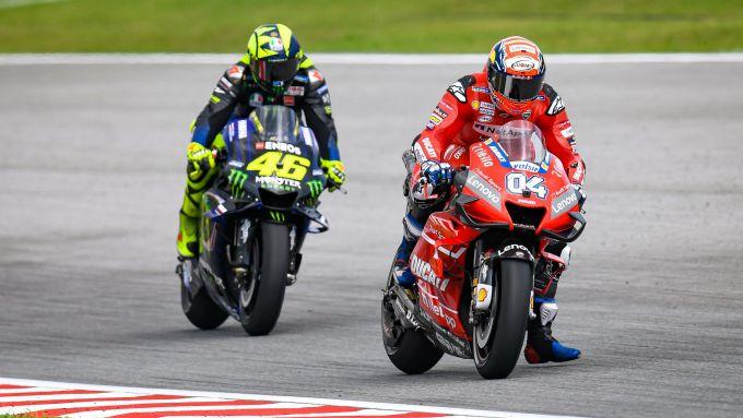 MotoGP Malesia 2019, Sepang: Valentino Rossi (Yamaha) insegue Andrea Dovizioso (Ducati)