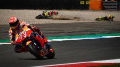 MotoGP Olanda 2019, Marc Marquez (Honda) e Andrea Iannone (Aprilia)