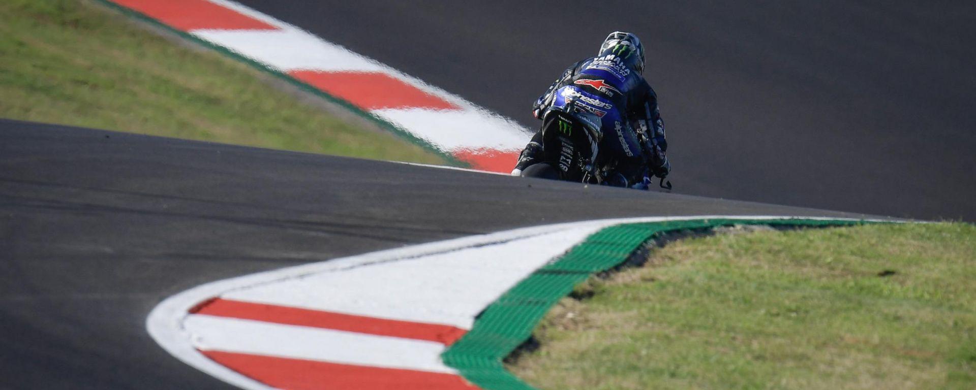 MotoGP Portogallo 2020, Maverick Vinales (Yamaha) impegnato sulla pista di Portimao