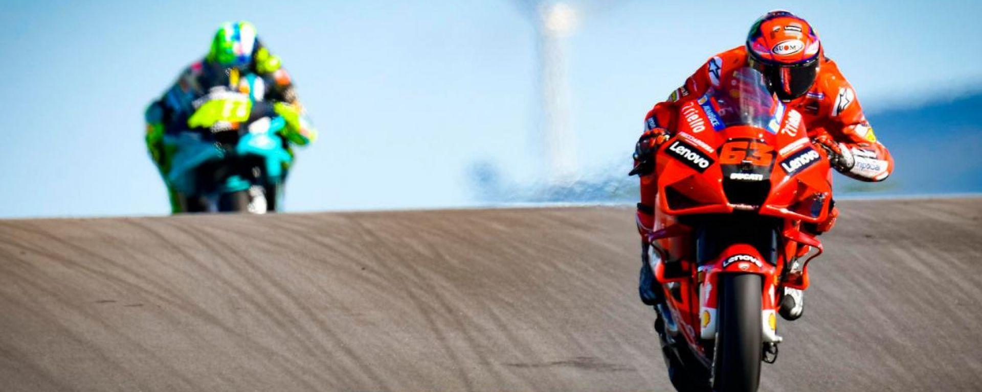 MotoGP Portogallo 2021, Portimao: Francesco Bagnaia (Ducati) e Valentino Rossi (Yamaha Petronas)