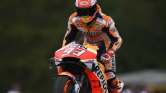 "MotoGP Rep.Ceca, Marquez in pole: ""Un rischio enorme"" - Immagine: 1"