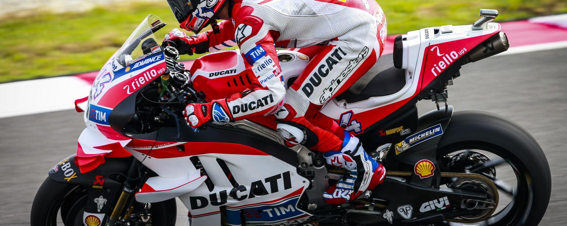 MotoGP Sepang 2016: Andrea Dovizioso in pole davanti a Rossi e Lorenzo