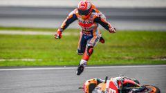 MotoGP, Sepang 2019: la caduta di Marc Marquez (Honda)