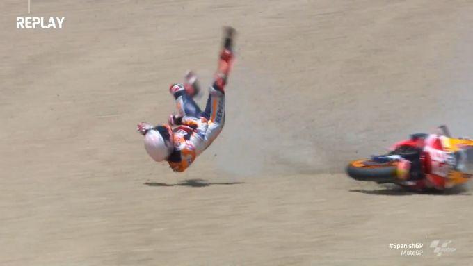 MotoGP Spagna 2020, la caduta di Marc Marquez a Jerez