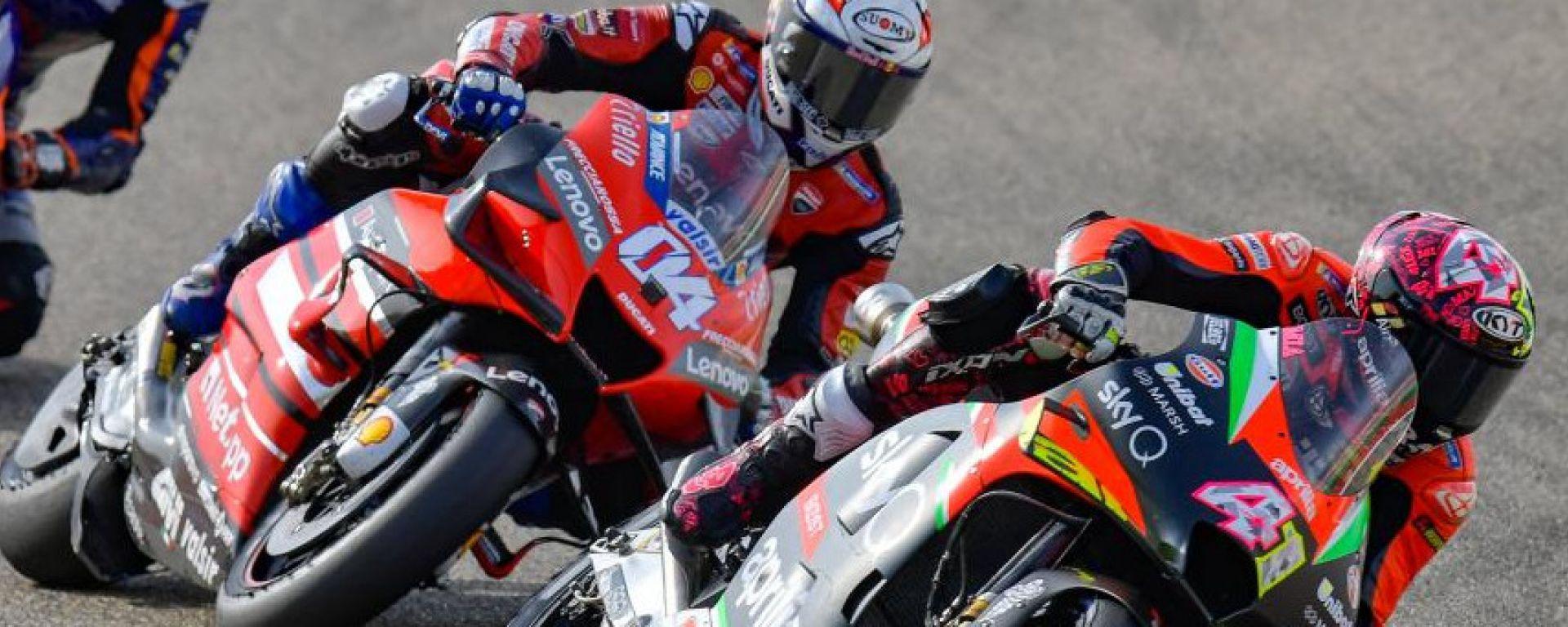 MotoGP Teruel 2020, Aragon, Andrea Dovizioso (Ducati) segue Aleix Espargarò (Aprilia)