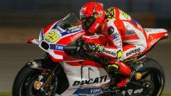 MotoGP Test Qatar Giorno 2: Viñales e Iannone di fuoco - Immagine: 2