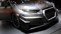 Mugen RC20GT Civic Type-R Concept: dettaglio dell'appendice aerodinamica sul muso