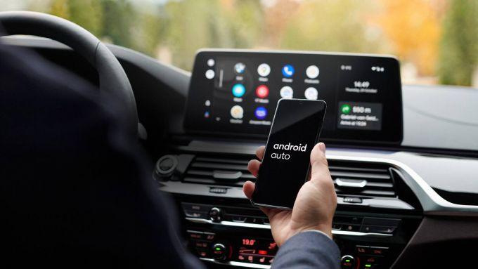 Multa a Google per Android Auto