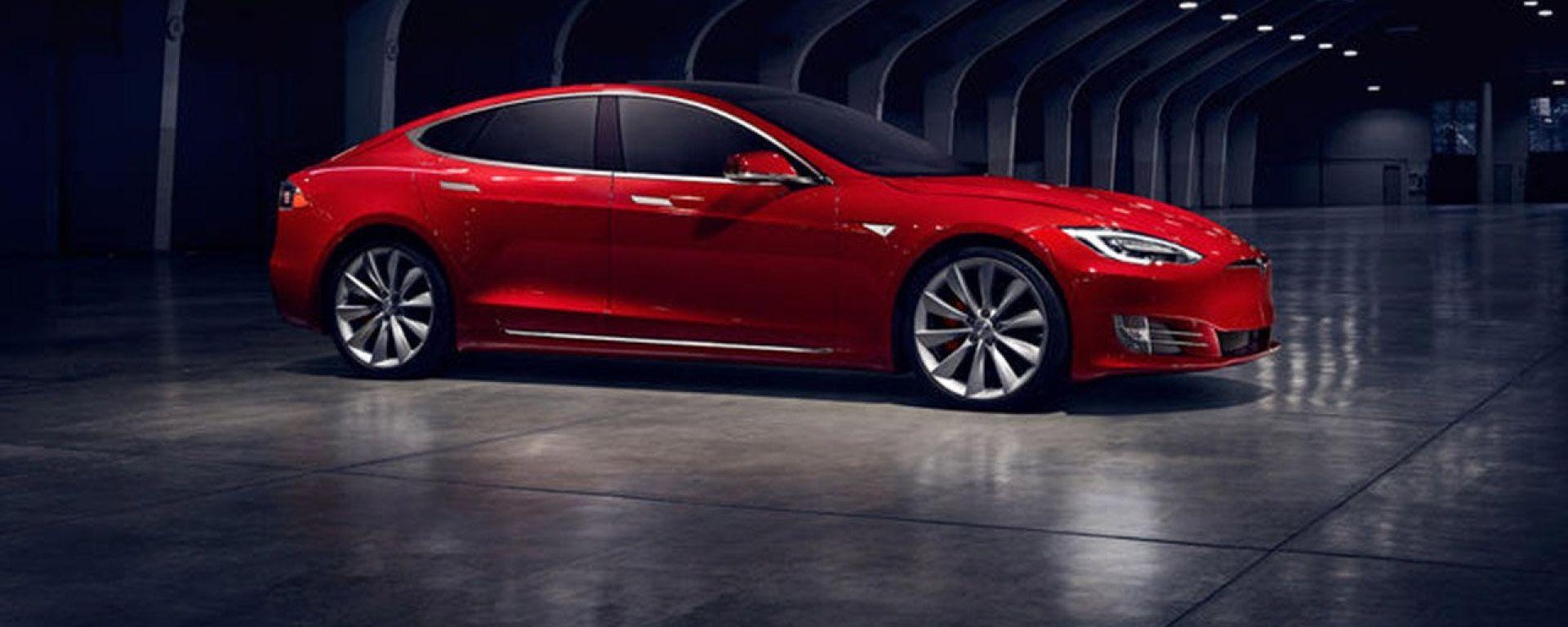 """Musk, Tesla: """"Auto col volante? In 20 anni saranno rarissime"""""""