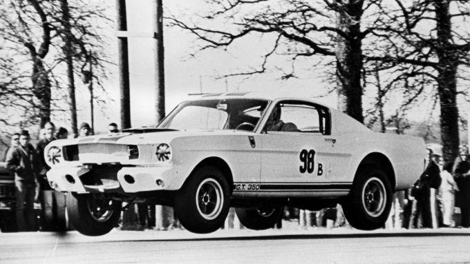 Mustang Shelby GT350R: al volante Ken Miles