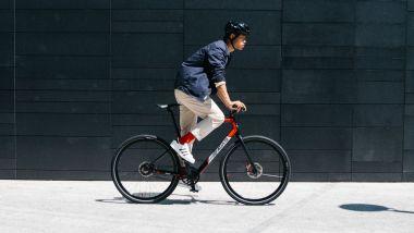 MV Agusta AMO RR, la nuova e-bike da città