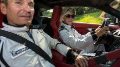 Nadia Toffa al volante della Jaguar F-Type AWD