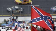 Nascar, una bandiera degli Stati Confederati del Sud