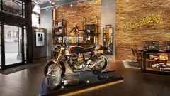 Nelle migliori boutique Breitling ora troverete le Triumph Thruxton RS
