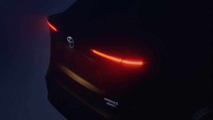 New subcompact Suv Toyota, il teaser del posteriore