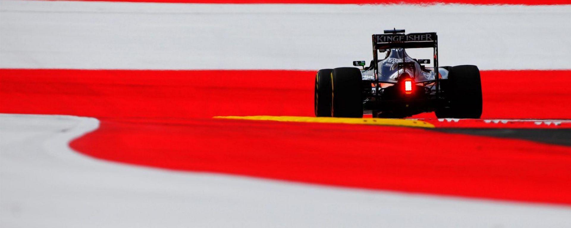 Nico Hulkenberg e la sua Force India, terzo crono per lui nelle FP2 - GP Austria