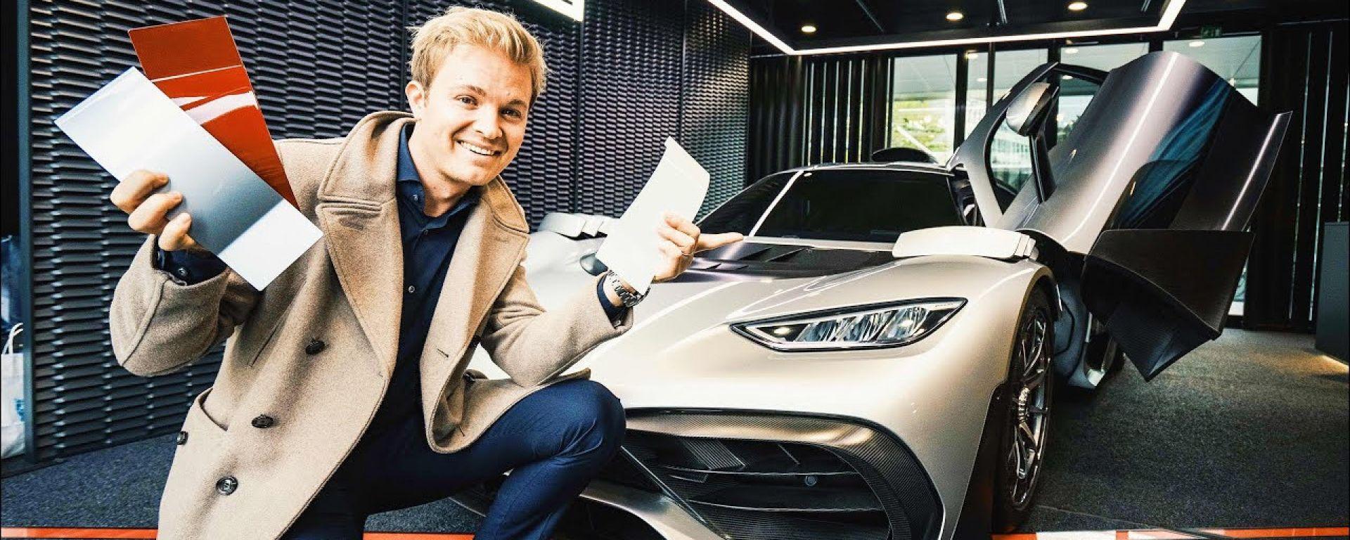 Nico Rosberg con la AMG One ordinata e personalizzata