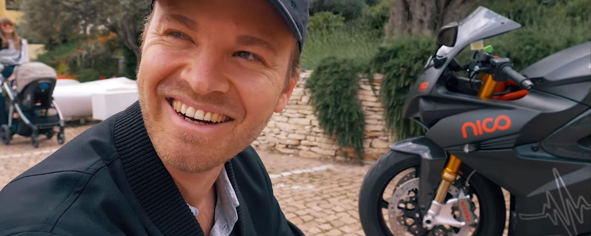 Nico Rosberg con la sua Energica Ego
