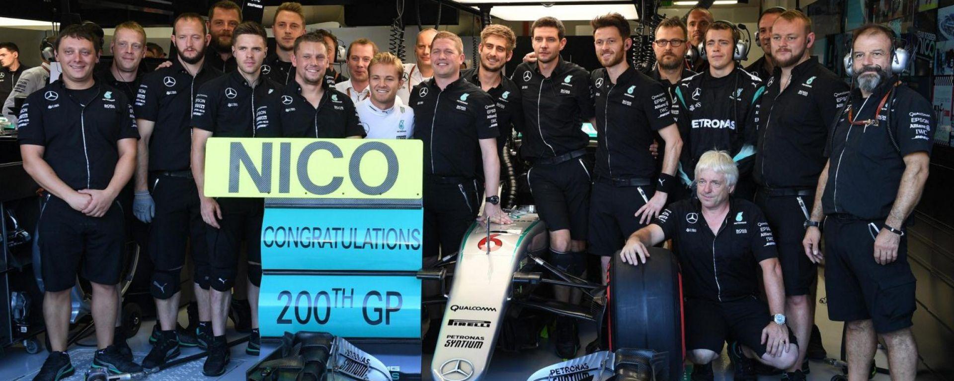 F1 GP Singapore: dopo il botto, Rosberg conquista le FP2