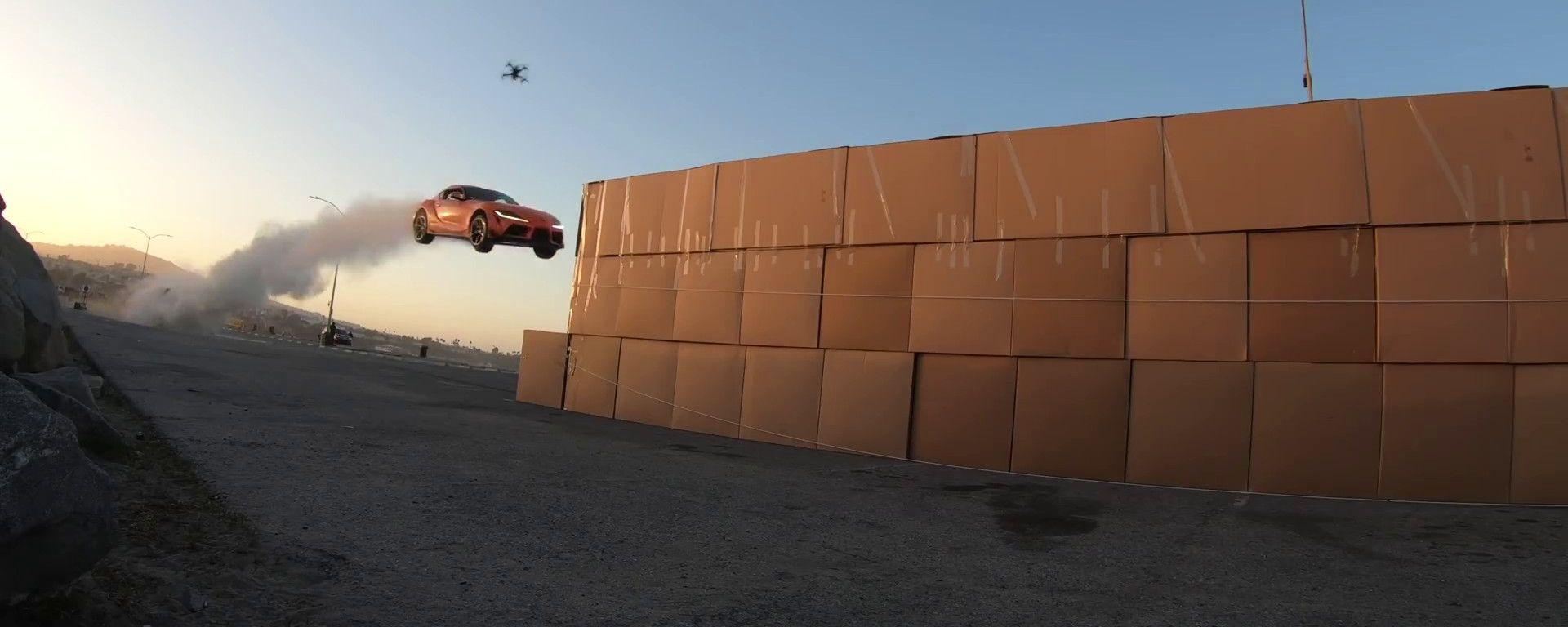 Niente rampe di atterraggio per il salto della Toyota GR Supra nel video The Pitch