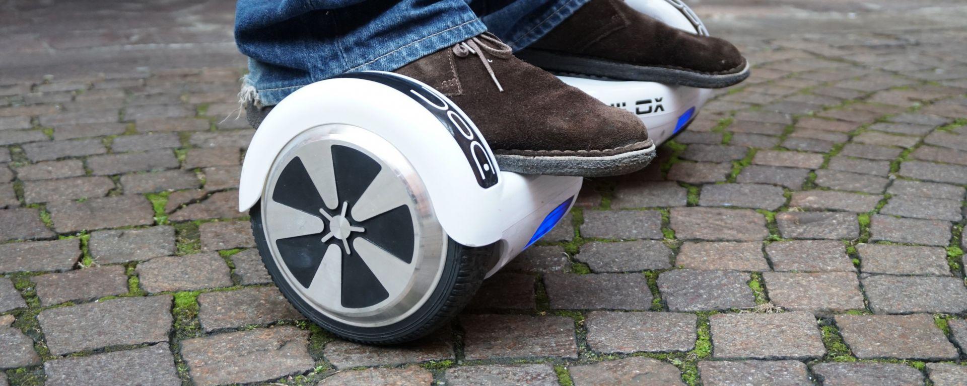 Nilox Doc Hoverboard: le ruote misurano 6,5 pollici