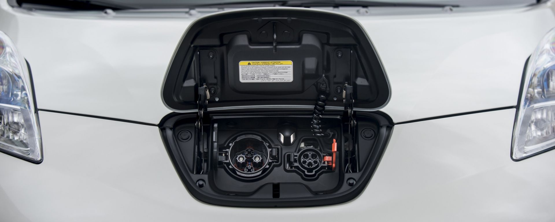 Nissan: al via in Gran Bretagna un progetto Vehicle-to-Grid