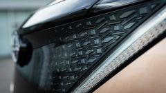 Nissan Ariya 2020: la finitura della griglia anteriore