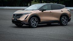 Nissan Ariya 2020: visuale di 3/4 anteriore