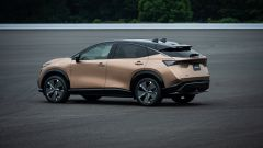 Nissan Ariya 2020: visuale di 3/4 posteriore