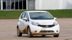 Nissan: arriva la vernice anti-sporco - Immagine: 9