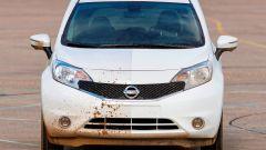Nissan: arriva la vernice anti-sporco - Immagine: 5