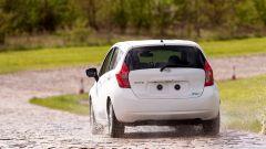 Nissan: arriva la vernice anti-sporco - Immagine: 3