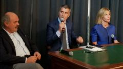 Nissan Crossover Thinking: un momento della presentazione con Oscar Farinetti (a sinistra)