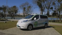 Nissan e-NV200 con fuel cell a bio etanolo: vista 3/4 anteriore