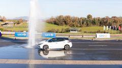Nissan e UNASCA, guida sicura sul bagnato