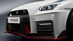 Nissan GT-R Nismo: fibra di carbonio a profusione per le appendici aerodinamiche